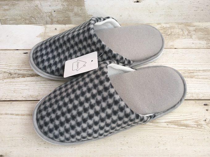 ht_slippers_zentai